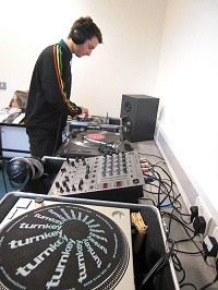 Sound reducing equipment